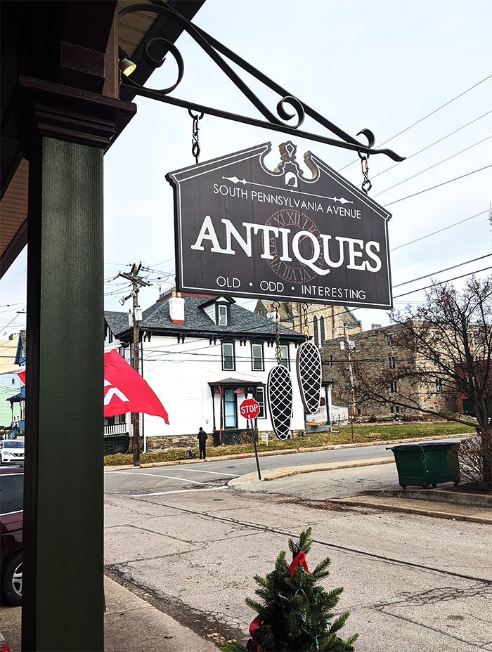 402 S. Penn Ave Antiques